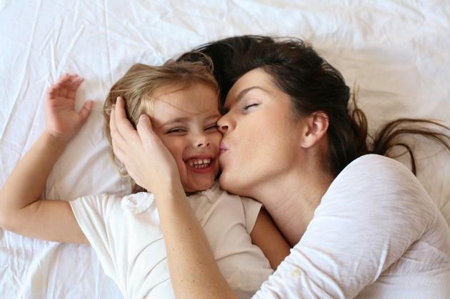 Đừng bỏ qua 10 cách để gắn bó hơn với con gái nếu bạn không muốn ngày càng bị con xa cách - Ảnh 1