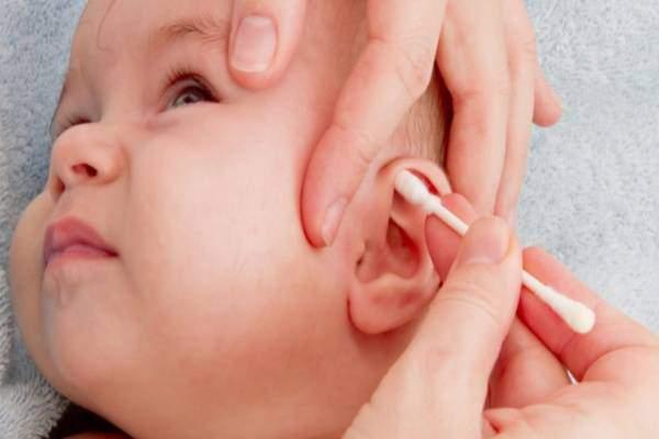 Lấy ráy tai cho trẻ bằng tăm bông, bác sĩ bảo sai và đây là cách đúng nhất - Ảnh 4