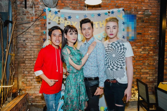 Lâm Khánh Chi tổ chức sinh nhật hoành tráng cho ông xã - Ảnh 13