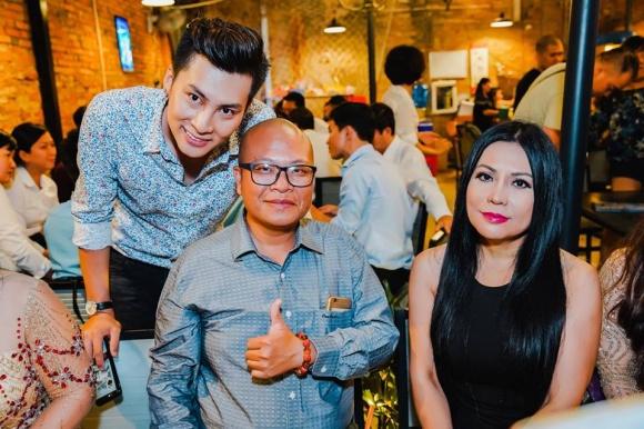 Lâm Khánh Chi tổ chức sinh nhật hoành tráng cho ông xã - Ảnh 14