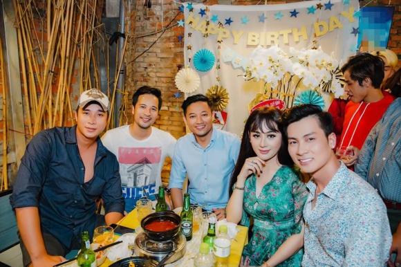 Lâm Khánh Chi tổ chức sinh nhật hoành tráng cho ông xã - Ảnh 4