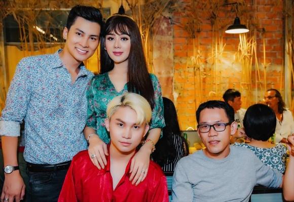 Lâm Khánh Chi tổ chức sinh nhật hoành tráng cho ông xã - Ảnh 8
