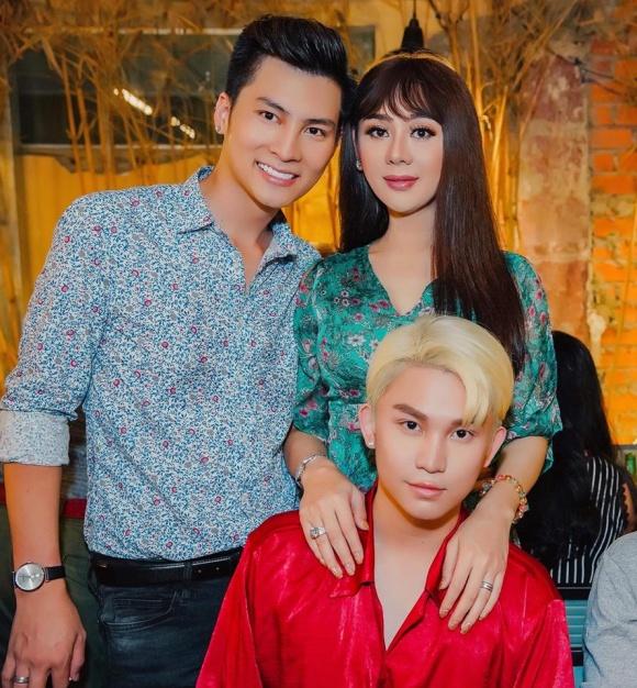 Lâm Khánh Chi tổ chức sinh nhật hoành tráng cho ông xã - Ảnh 9