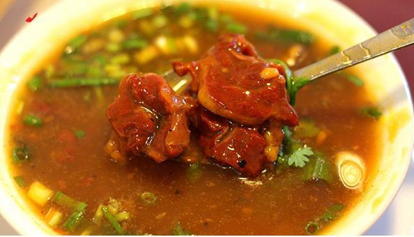 Cách nấu thịt bò sốt vang miền Bắc ngon đúng điệu cho cả nhà - Ảnh 1