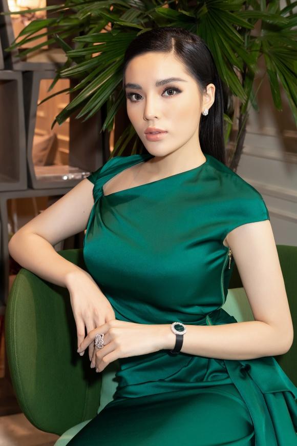 Hoa hậu Kỳ Duyên đeo trang sức tiền tỷ khoe nhan sắc ngày càng lên hương - Ảnh 5
