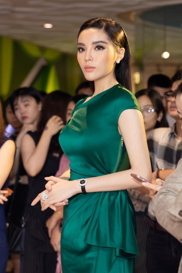 Hoa hậu Kỳ Duyên đeo trang sức tiền tỷ khoe nhan sắc ngày càng lên hương - Ảnh 7