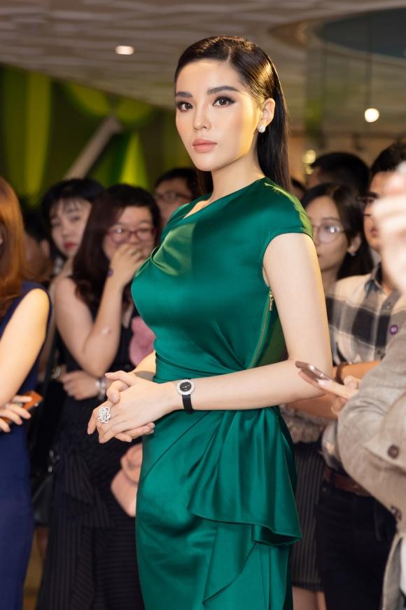 Hoa hậu Kỳ Duyên đeo trang sức tiền tỷ khoe nhan sắc ngày càng lên hương - Ảnh 8