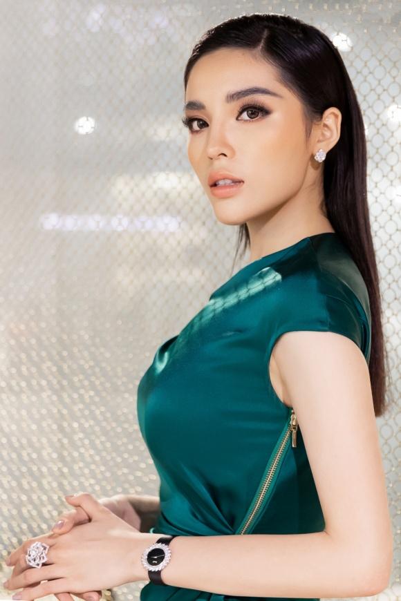 Hoa hậu Kỳ Duyên đeo trang sức tiền tỷ khoe nhan sắc ngày càng lên hương - Ảnh 10