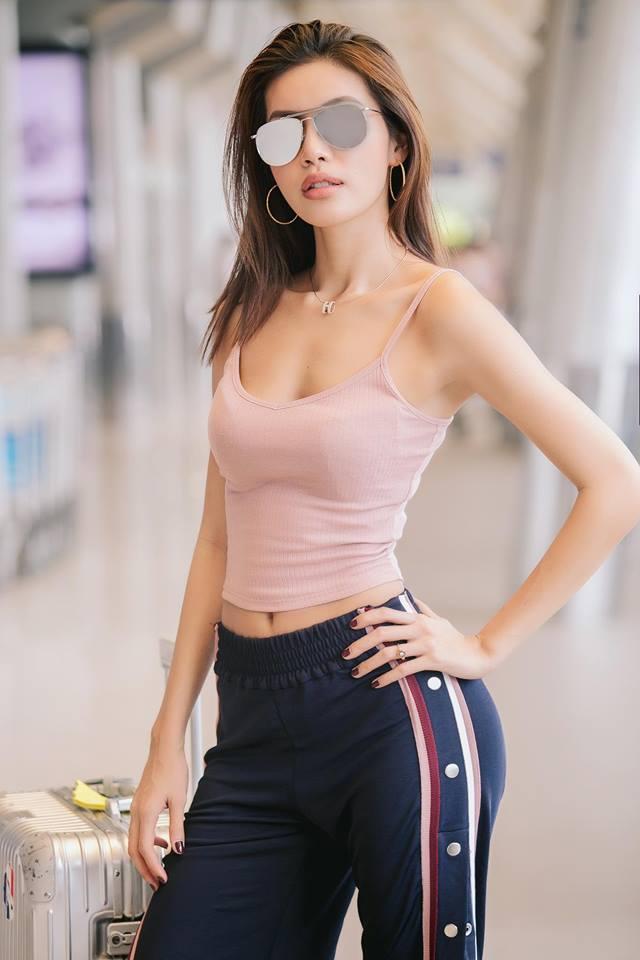 Minh Tú - chân dài 1m13 tung ảnh nude khoe đường cong quyến rũ - Ảnh 12