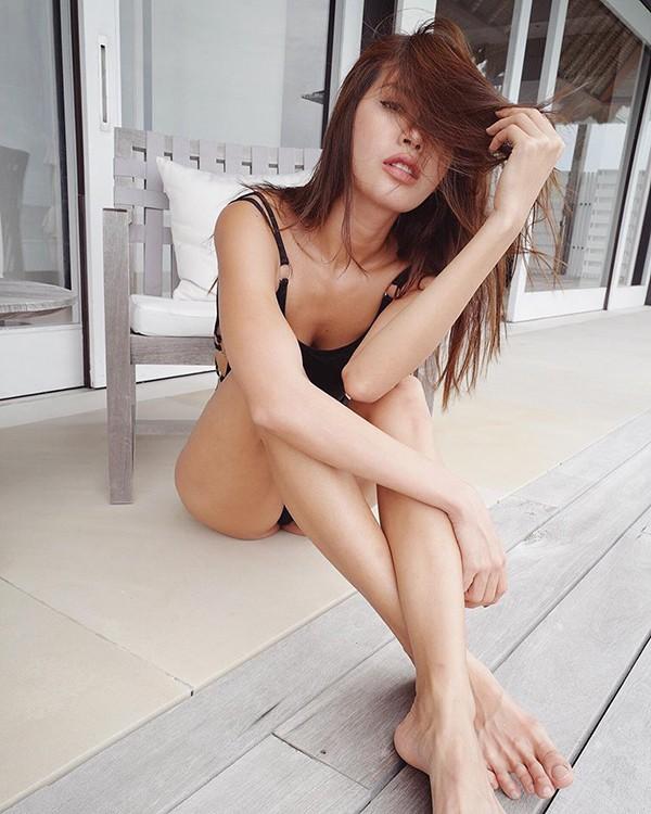 Minh Tú - chân dài 1m13 tung ảnh nude khoe đường cong quyến rũ - Ảnh 6