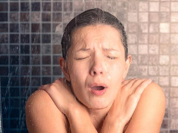 5 thời điểm tuyệt đối không nên tắm kẻo nguy hiểm cận kề - Ảnh 1