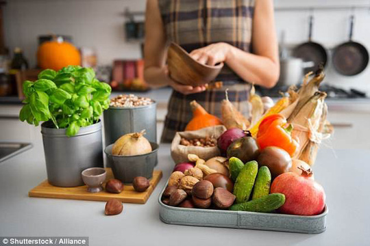 Ăn kiêng đúng cách sẽ giảm nguy cơ chết vì ung thư vú - Ảnh 1