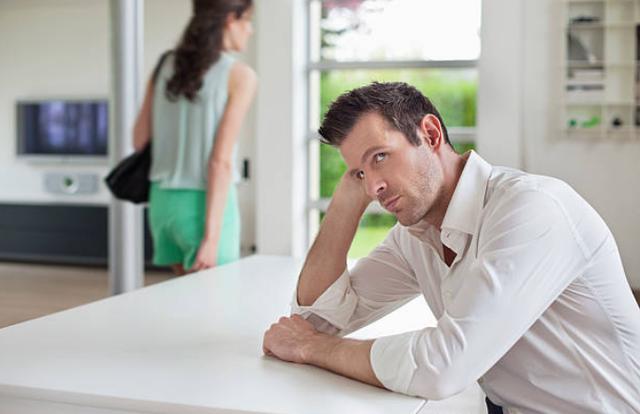Bị bắt quả tang dùng lời lẽ đong đưa với đàn ông, vợ tôi vẫn khăng khăng đó không phải là ngoại tình - Ảnh 1