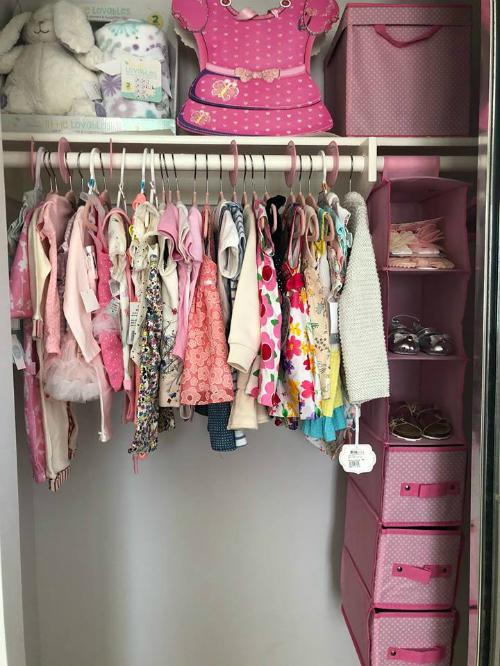 Thanh Thảo khoe tủ đầy quần áo của con gái sắp chào đời - Ảnh 1