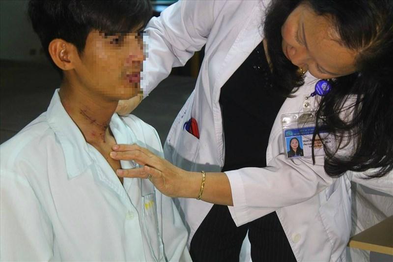 Chàng trai Campuchia hết cấm khẩu 2 năm nhờ bác sĩ Việt Nam - Ảnh 1