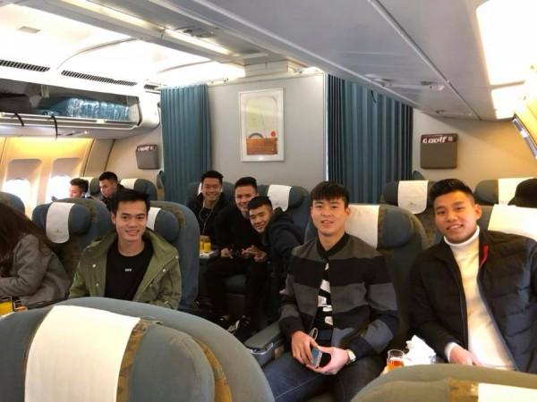 Cận cảnh dàn sao U23 Việt Nam chuẩn bị 'đổ bộ' vào TP.HCM - Ảnh 1