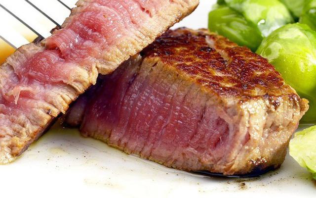 Làm gì để không lo nhiễm khuẩn gây viêm dạ dày, đường ruột khi ăn thịt - Ảnh 1