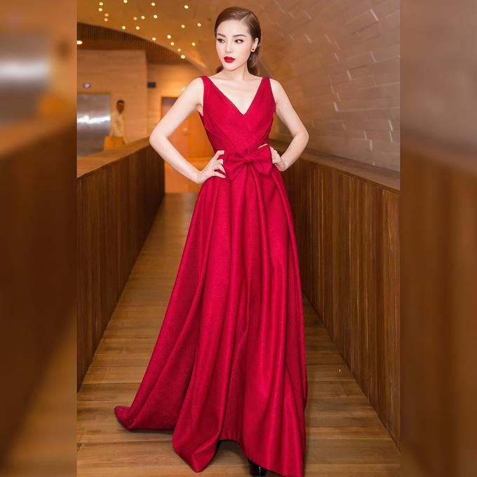 Sao Việt thi nhau diện sắc đỏ đón xuân về - Ảnh 1