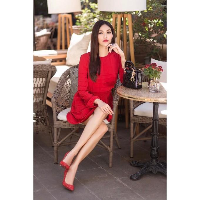 Sao Việt thi nhau diện sắc đỏ đón xuân về - Ảnh 6