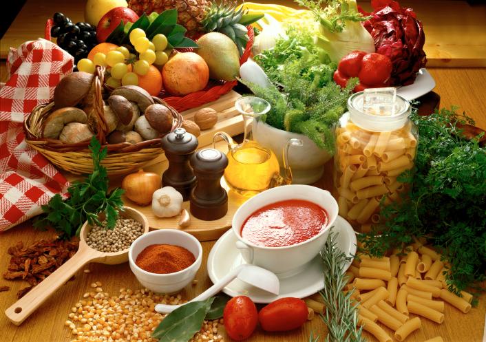 Thực hiện chế độ dinh dưỡng lành mạnh tốt cho sức khỏe và tuổi thọ