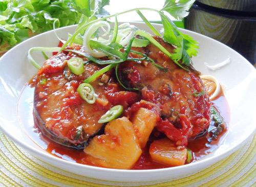 Cá ngừ kho dứa ngon cơm - Ảnh 3