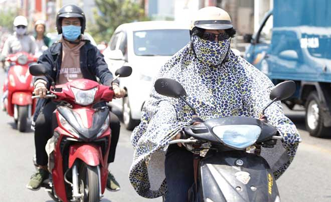 Nắng nóng gay gắt 40 độ, đây là điều cần làm ngay để bảo vệ sức khỏe - Ảnh 2