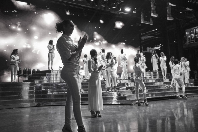 Hương Giang cùng dàn thí sinh tất bật tập luyện trước thềm Chung kết Hoa hậu chuyển giới Quốc tế - Ảnh 2