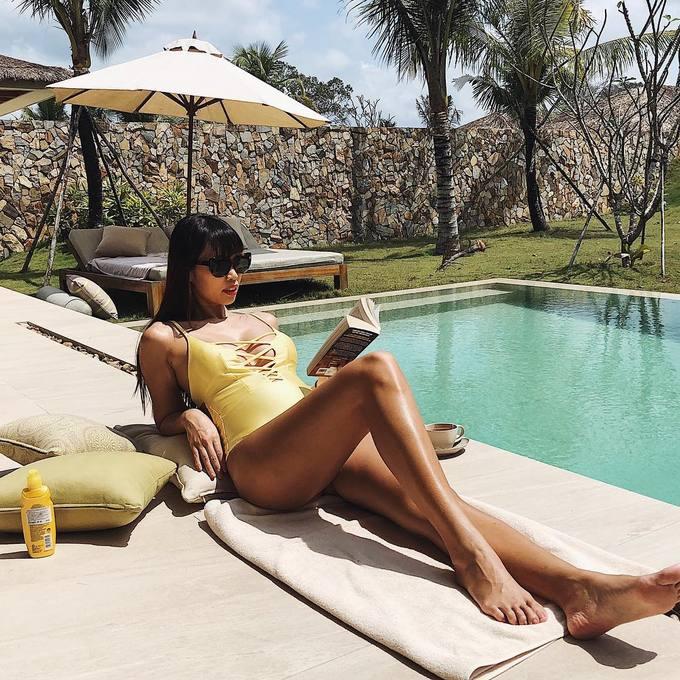 Mỹ nhân Việt diện bikini, khoe vóc dáng chuẩn sau Tết - Ảnh 8
