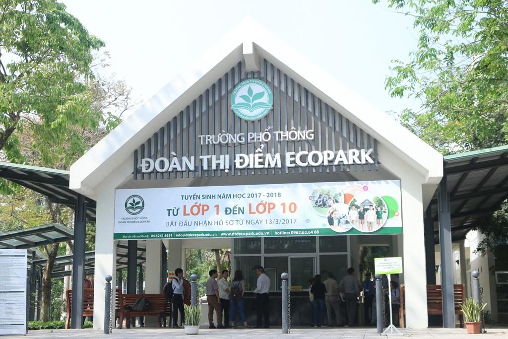 Nóng: Hàng trăm học sinh trường Đoàn Thị Điểm Ecopark nghỉ học, nghi bị ngộ độc - Ảnh 1