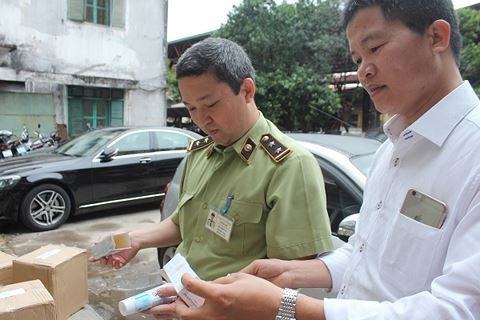 Thu giữ gần 14.000 sản phẩm kem đánh răng Sensodyne nghi giả - Ảnh 1