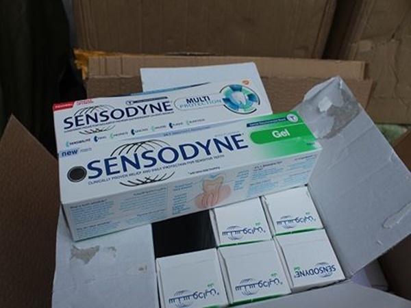 Thu giữ gần 14.000 sản phẩm kem đánh răng Sensodyne nghi giả - Ảnh 2