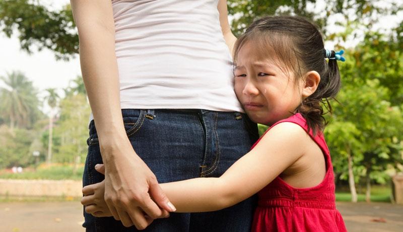 Nếu còn tiếp tục làm những việc sau, bố mẹ đang tự hủy hoại tính cách của con khi trưởng thành. - Ảnh 1
