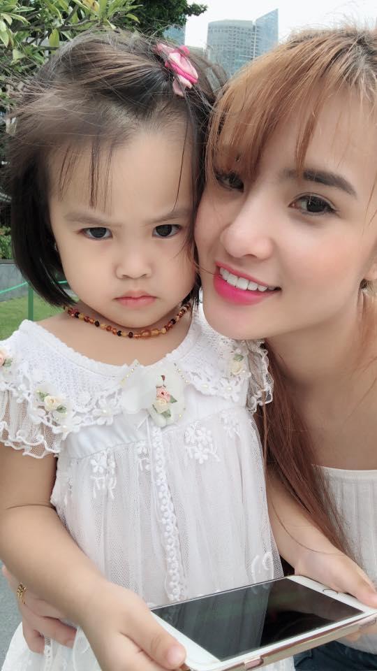 Sau hơn 1 năm sinh sống ở Singapore, cuộc sống của em gái Công Vinh giờ ra sao? - Ảnh 5