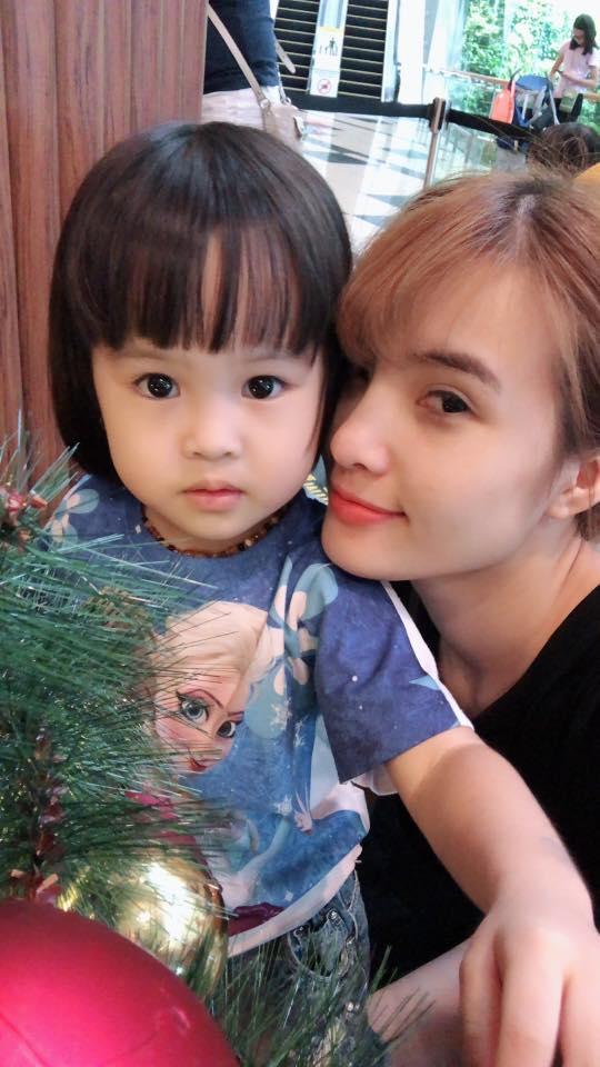 Sau hơn 1 năm sinh sống ở Singapore, cuộc sống của em gái Công Vinh giờ ra sao? - Ảnh 7