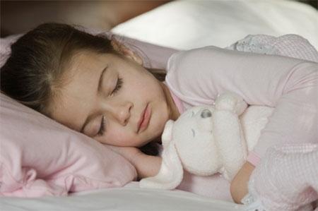 Tại sao cha mẹ nên cho con ngủ trước 9h tối? - Ảnh 2