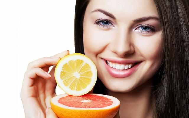 Cách giúp da mặt sáng mịn, hết mụn chỉ với 1 quả cam tươi - Ảnh 1