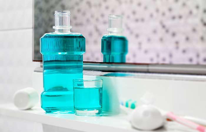 Tận dụng nước súc miệng và muối Epsom diệt muỗi dễ dàng, không mất công sức