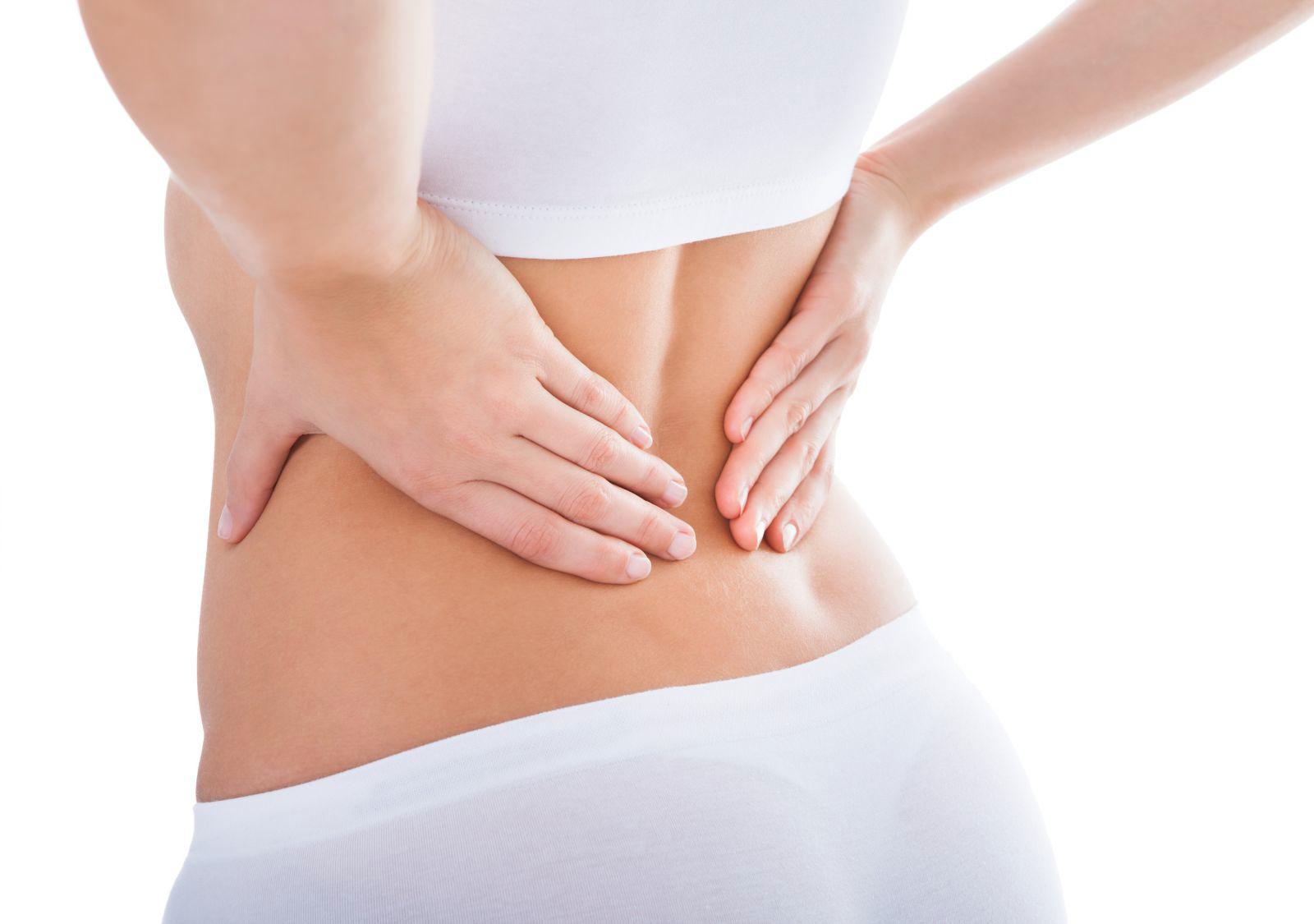 Đau lưng dưới là một trong những biểu hiện của ung thư cổ tử cung