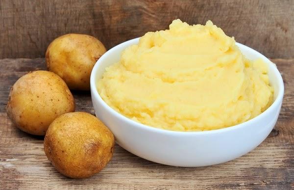 Cách trị mụn bằng khoai tây hiệu quả, dễ thực hiện - Ảnh 2