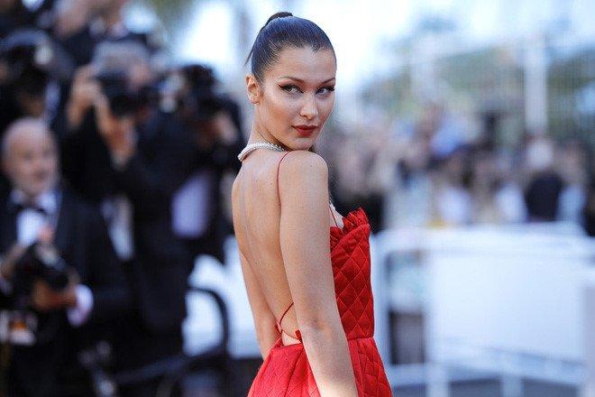 Lý Nhã Kỳ váy đỏ nổi bật trên thảm đỏ Cannes - Ảnh 5