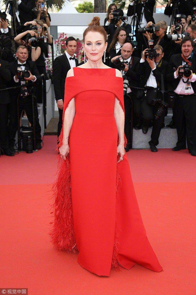 Lý Nhã Kỳ váy đỏ nổi bật trên thảm đỏ Cannes - Ảnh 9