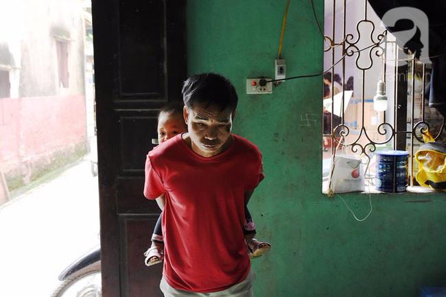 Hà Nội: Người mẹ lên mạng cho bớt 1 đứa con sau khi sinh đôi vì không nuôi nổi - Ảnh 2