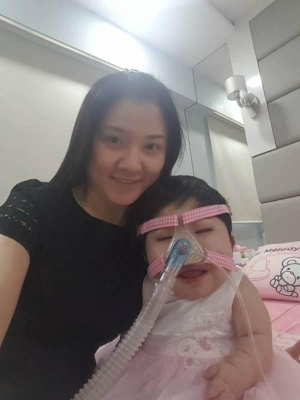 Nỗi đau của người mẹ có con gái 17 tuổi 'gói' trong thân hình trẻ sơ sinh - Ảnh 3