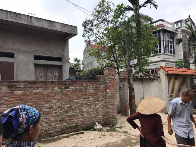 Hà Nội: Người mẹ lên mạng cho bớt 1 đứa con sau khi sinh đôi vì không nuôi nổi - Ảnh 1