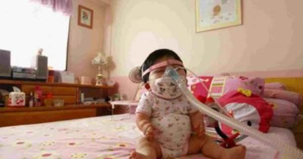 Nỗi đau của người mẹ có con gái 17 tuổi 'gói' trong thân hình trẻ sơ sinh - Ảnh 1
