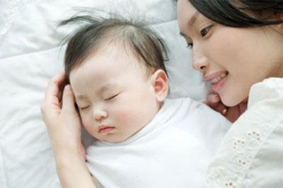 5 lý do thuyết phục cha mẹ không nên cho trẻ sơ sinh nằm gối - Ảnh 3