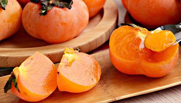 Tanin trong quả hồng dễ gây ảnh hưởng sức khỏe dạ dày và đường ruột