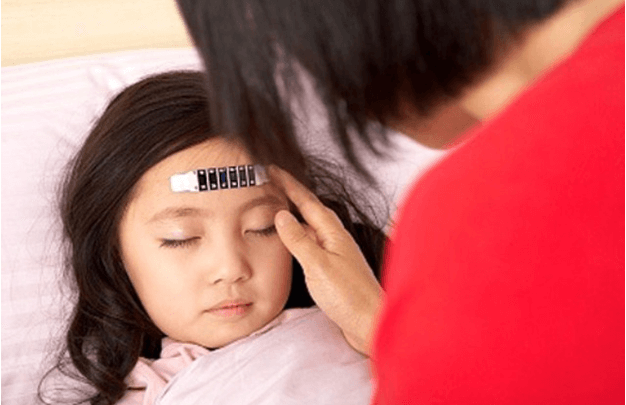 Dấu hiệu cảnh báo bệnh sốt virus ở trẻ em, cha mẹ không thể lơ là  - Ảnh 1