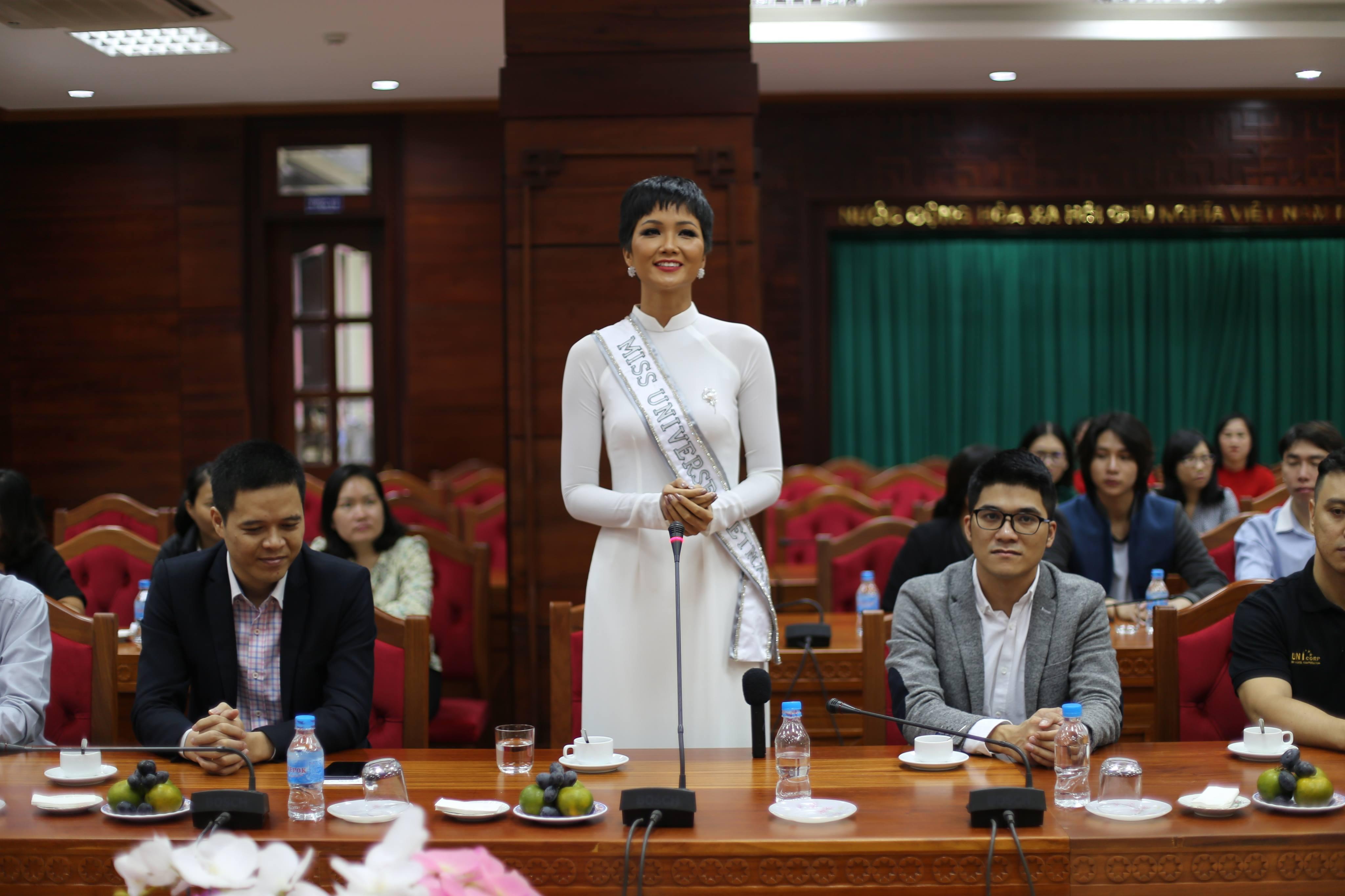 Tỉnh Đắk Lắk mời hoa hậu H'Hen Niê làm đại sứ cho cà phê Buôn Ma Thuột - Ảnh 3