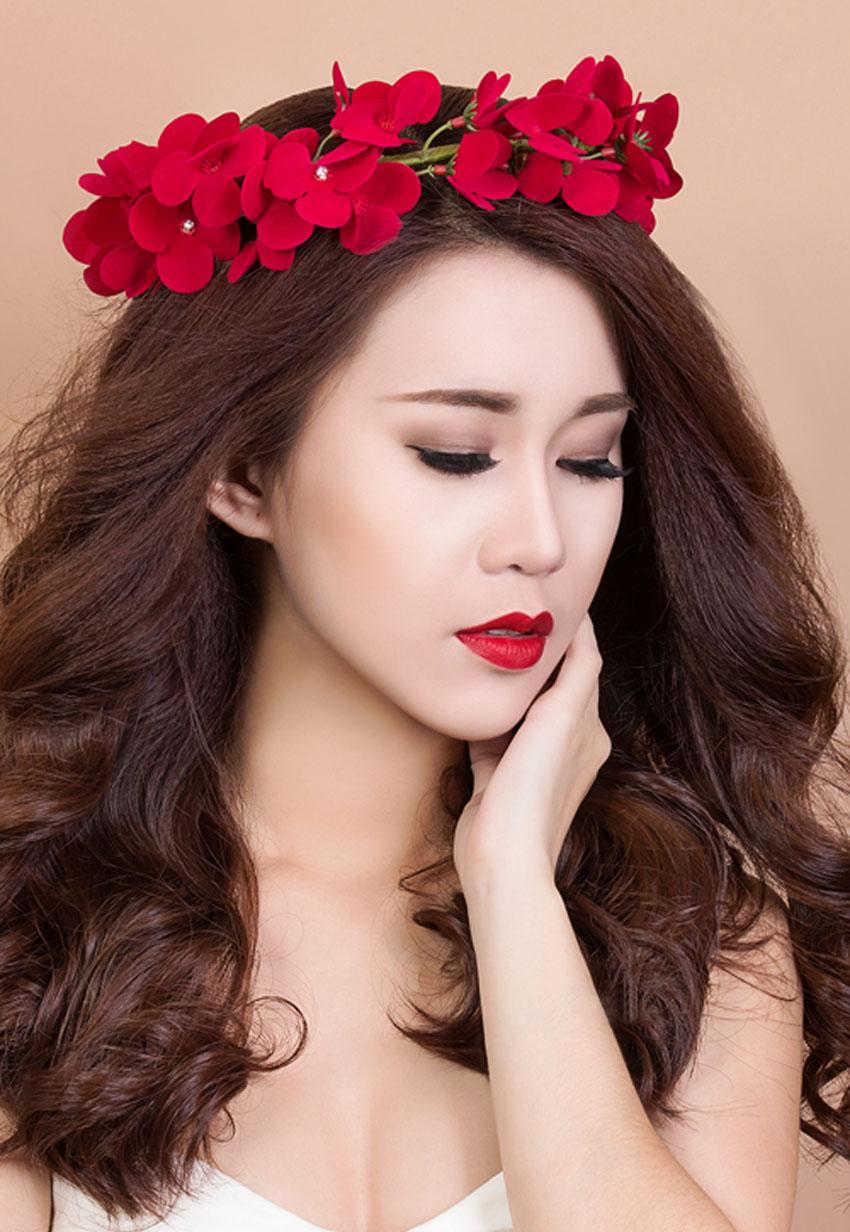 Màu đỏ rực rỡ rất phù hợp với cô nàng Bạch Dương
